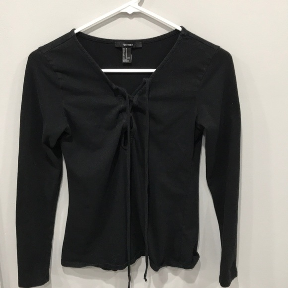 Forever 21 Tops - 10/$25 Forever21 black tie up long sleeve top